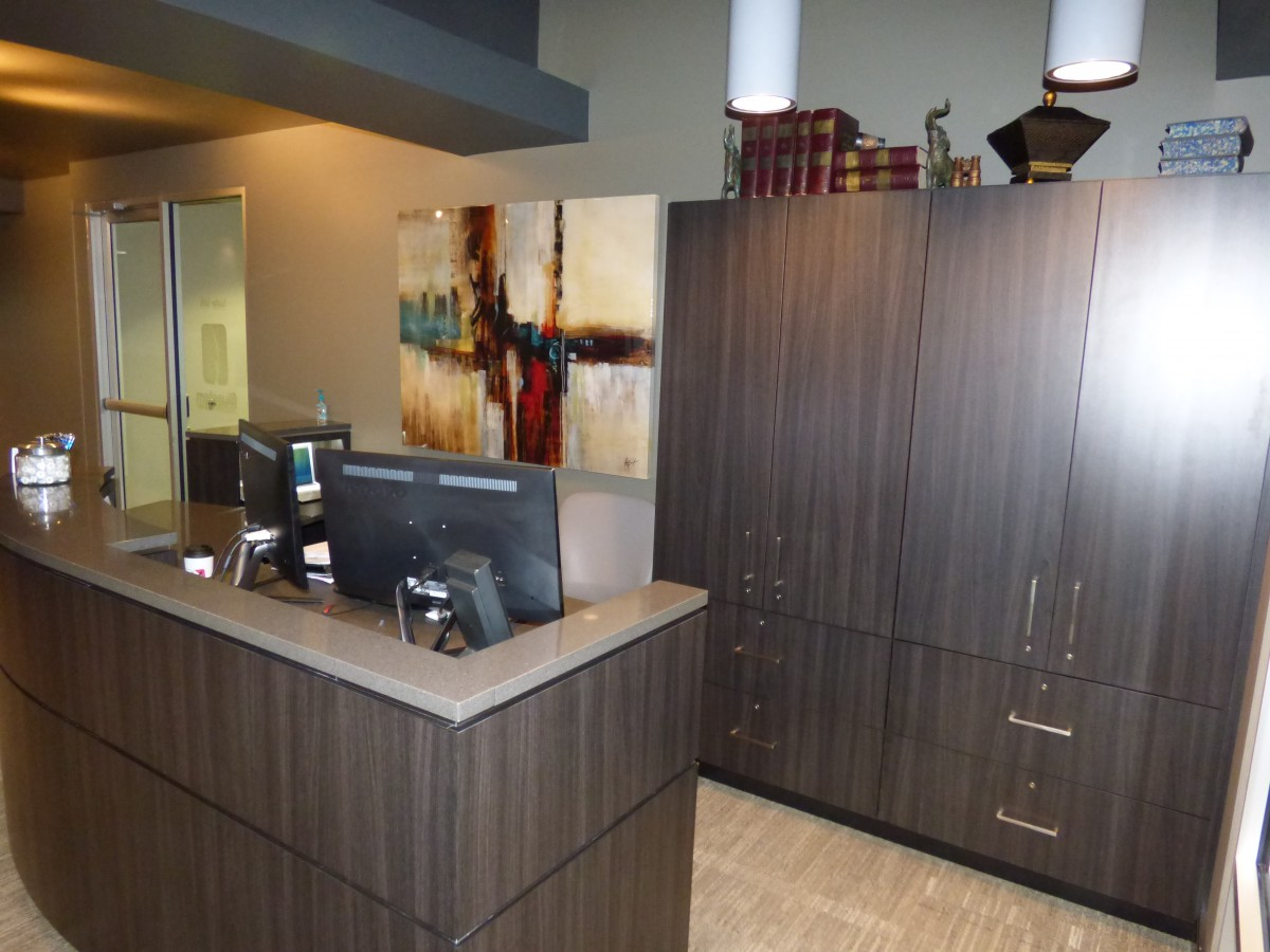 High Quality Custom Reception Desk And Cabinets